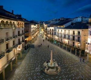 Plaza-del-Torico